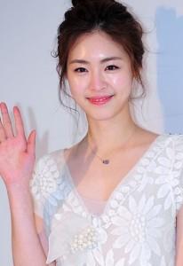 韓国メイク「水光メイク、ムルグァンメイク」で女優メイクしよう♡